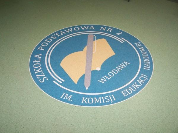 kominek-logo-004